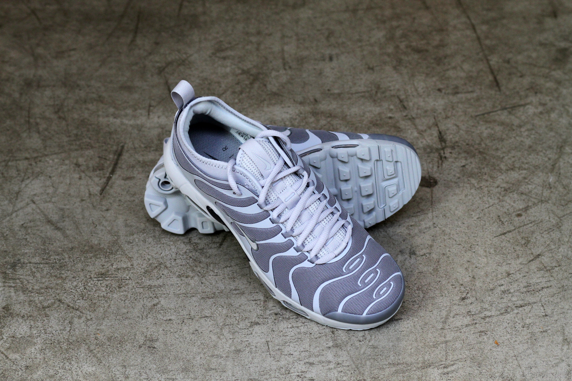 nike-air-max-plus-tn-ultra-cool-grey-898015007