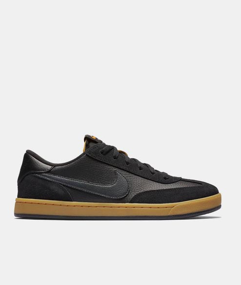 Nike SB - FC Classic - Black Vivid Orange