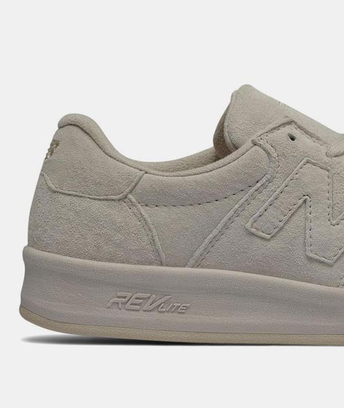 New Balance - WRT300PM - Moonbean