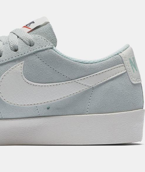 Nike Sportswear - W Blazer Low SD - Igloo