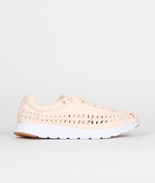 Nike Sportswear - W Mayfly Woven QS - Barely Orange